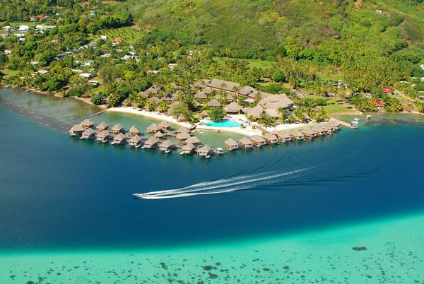 10 Spectacular Resorts with Overwater Bungalows photo - 3. Moorea Pearl Resort & Spa, French Polynesia