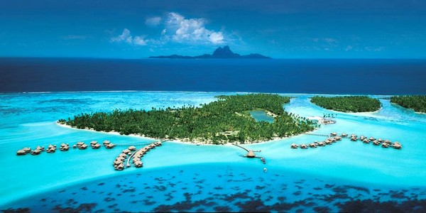 10 Spectacular Resorts with Overwater Bungalows photo - 7. Vahine Island Resort Taha'a, Taha'a, French Polynesia