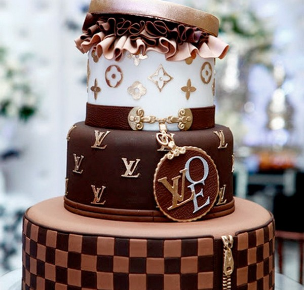 35 Things That Shouldn't Be Louis Vuitton-Monogrammed - Louis Vuitton cakes photo