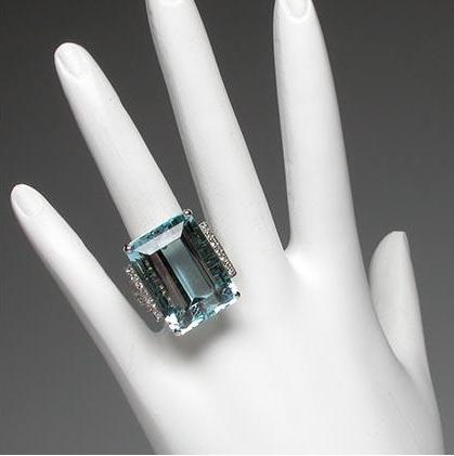 Luxury Natural Aquamarine & Diamond Cocktail Ring photo 4