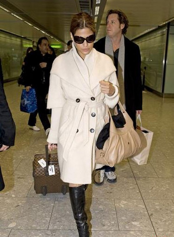 Luxury Trends - Nude Color Handbag - Eva Mendes bag celebrity airport style photo 1