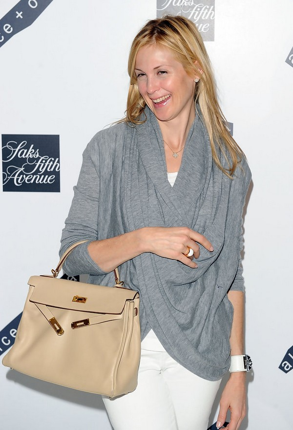 Luxury Trends - Nude Color Handbag - Kelly Rutherford Hermes tote bag photo 1