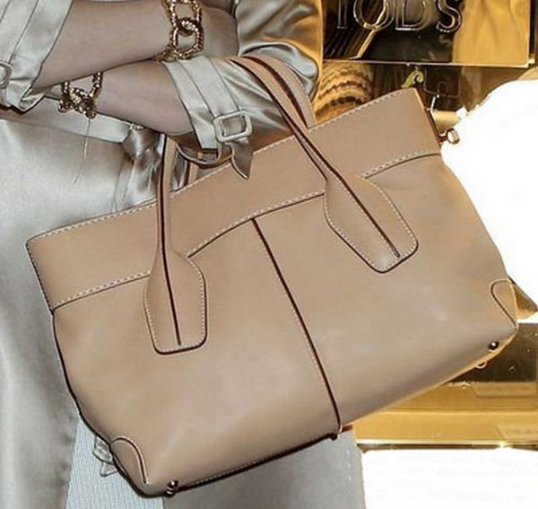 Luxury Trends - Nude Color Handbag - Sylvia Leifheit Tod nude color handbag photo 2