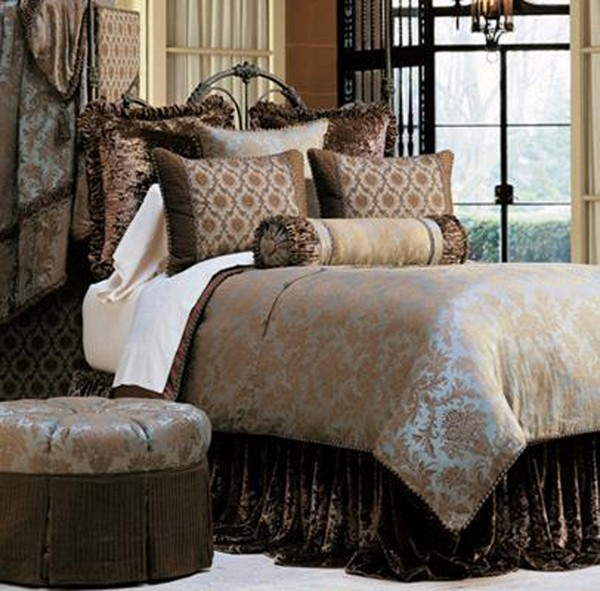Luxury bedding with Eastern accents and bold colors - Versailles luxury bedding