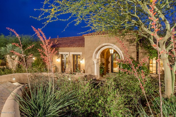 1.10 acre luxury home in Paradise Valley, Arizona-1