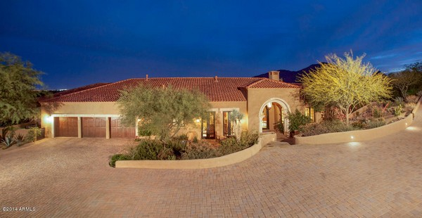 1.10 acre luxury home in Paradise Valley, Arizona-2