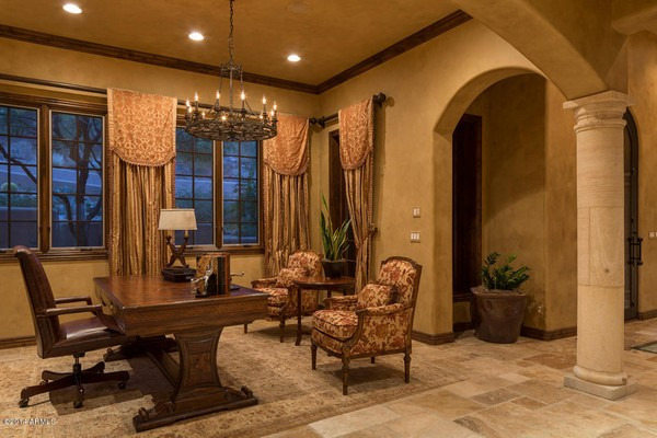 1.10 acre luxury home in Paradise Valley, Arizona-25