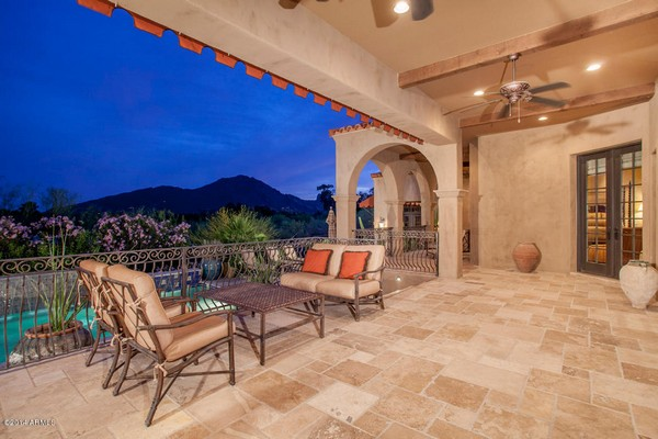 1.10 acre luxury home in Paradise Valley, Arizona-8