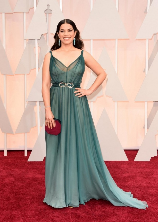 America Ferrera was wearing an ombré Jenny Packham gown, dark red hexagonal clutch and Irene Neuwirth jewelry
