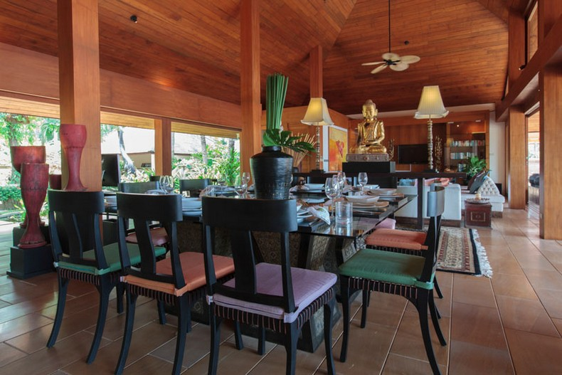 Indoor dining at Baan Wanora, a luxury, private, beach front villa located in Laem Sor, Koh Samui, Thailand