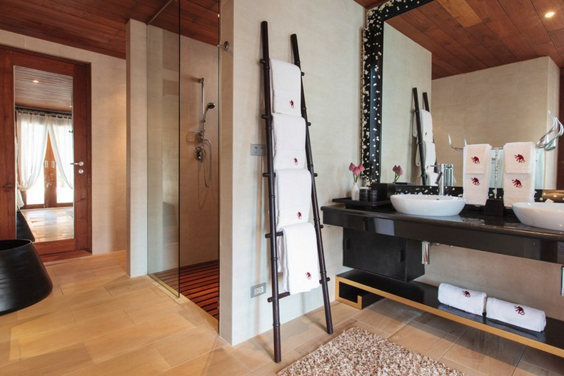 Bathroom at Baan Wanora, a luxury, private, beach front villa located in Laem Sor, Koh Samui, Thailand