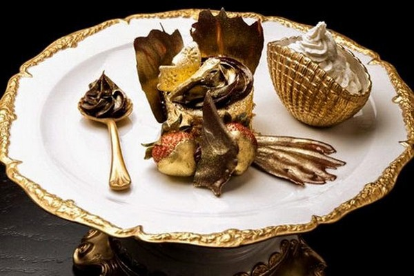 Bloomsbury's The Golden Phoenix cupcake, Price $1,000