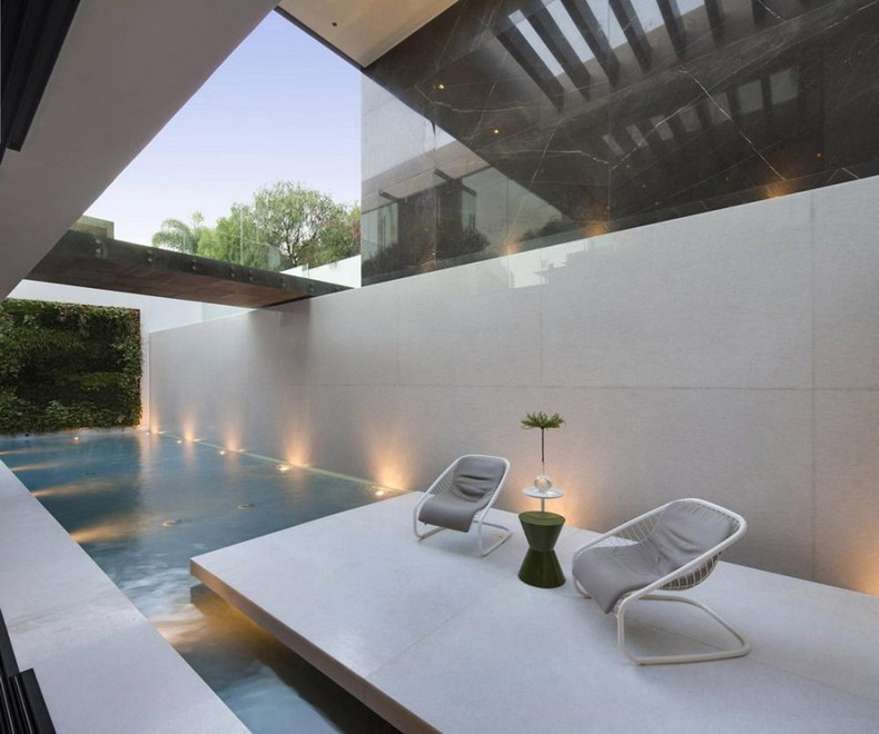 Calvin Klein Buys Beautiful Mansion in Hollywood Hills, Los Angeles for  Millions photo 10