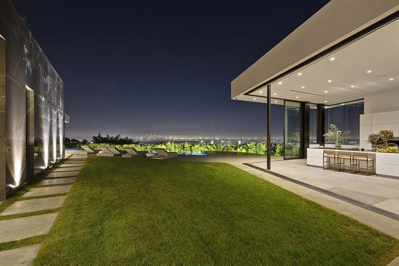 Calvin Klein Buys Beautiful Mansion in Hollywood Hills, Los Angeles for  Millions photo 19