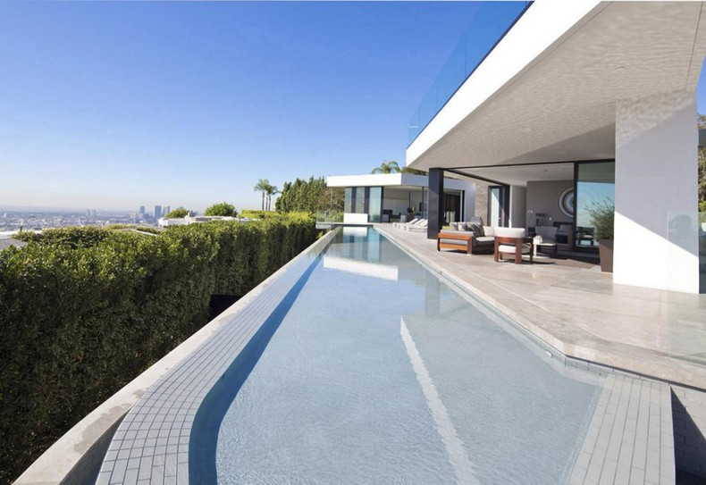 Calvin Klein Buys Beautiful Mansion in Hollywood Hills, Los Angeles for  Millions photo 2
