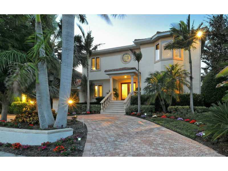 Exquisite Home in Longboat Key, Florida - selling for $2,549,000-1