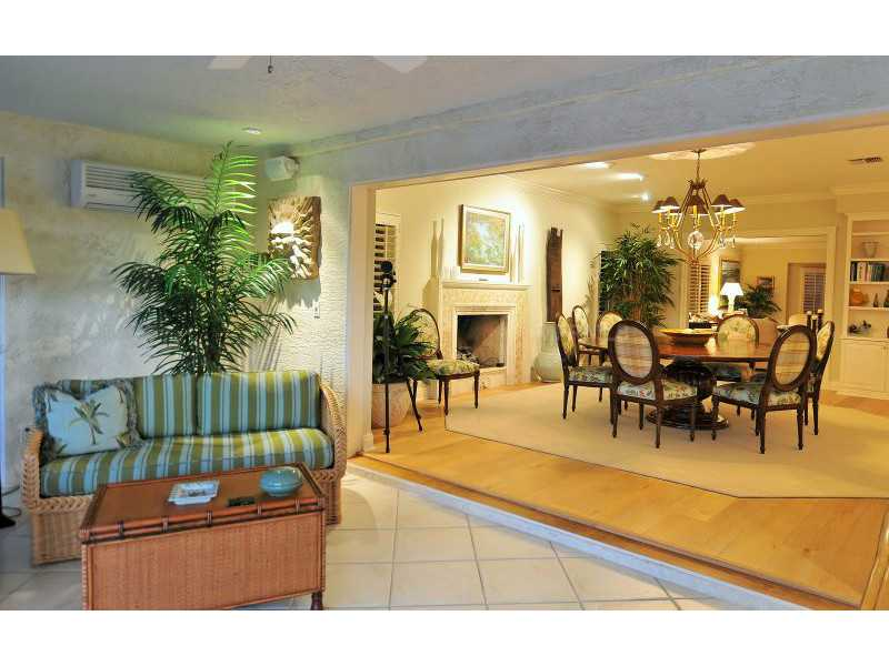 Exquisite Home in Longboat Key, Florida - selling for ,549,000-19