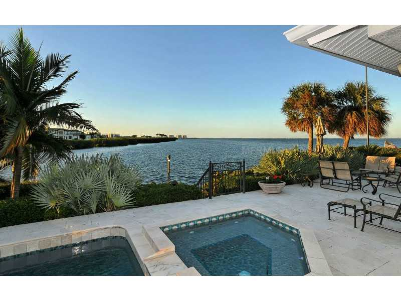 Exquisite Home in Longboat Key, Florida - selling for ,549,000-22