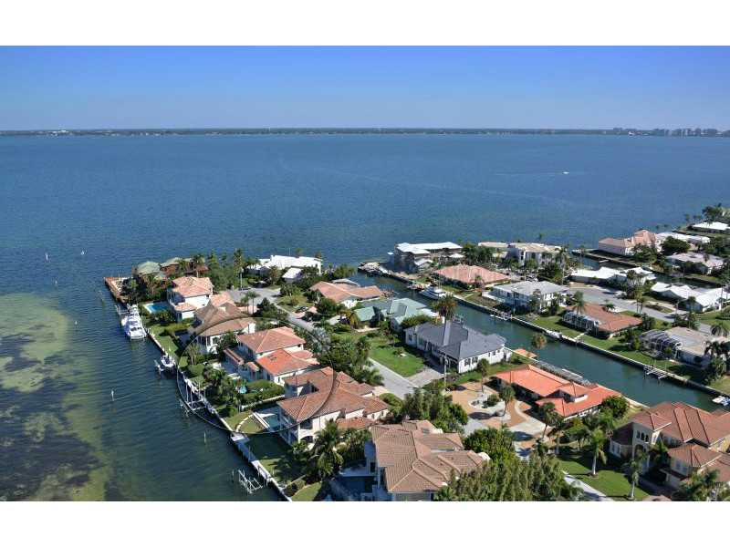 Exquisite Home in Longboat Key, Florida - selling for ,549,000-24