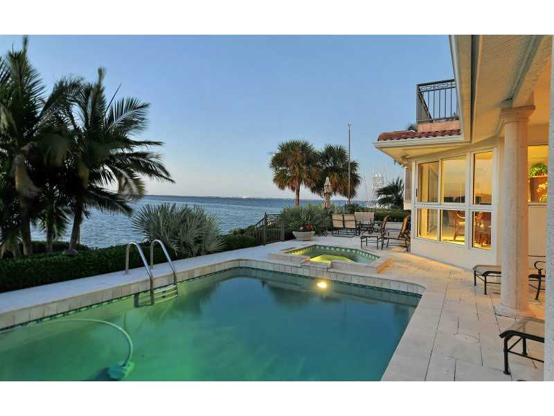 Exquisite Home in Longboat Key, Florida - selling for ,549,000-3