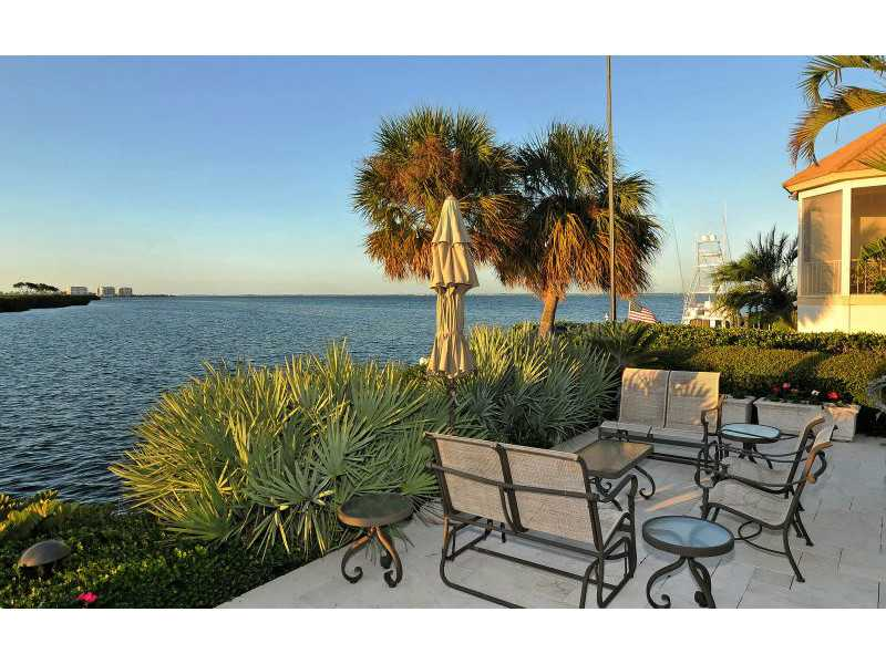Exquisite Home in Longboat Key, Florida - selling for ,549,000-4