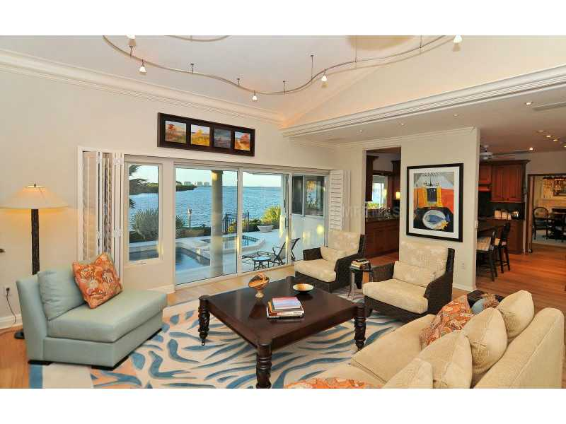 Exquisite Home in Longboat Key, Florida - selling for ,549,000-6