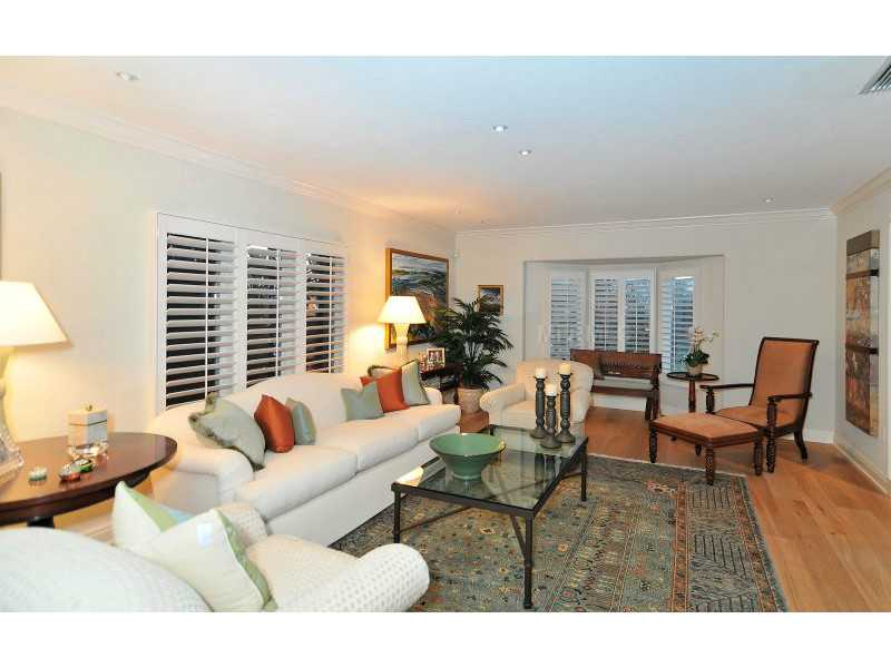 Exquisite Home in Longboat Key, Florida - selling for ,549,000-7
