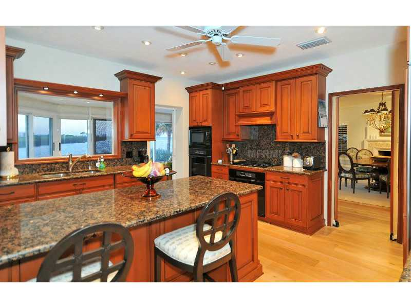 Exquisite Home in Longboat Key, Florida - selling for ,549,000-8
