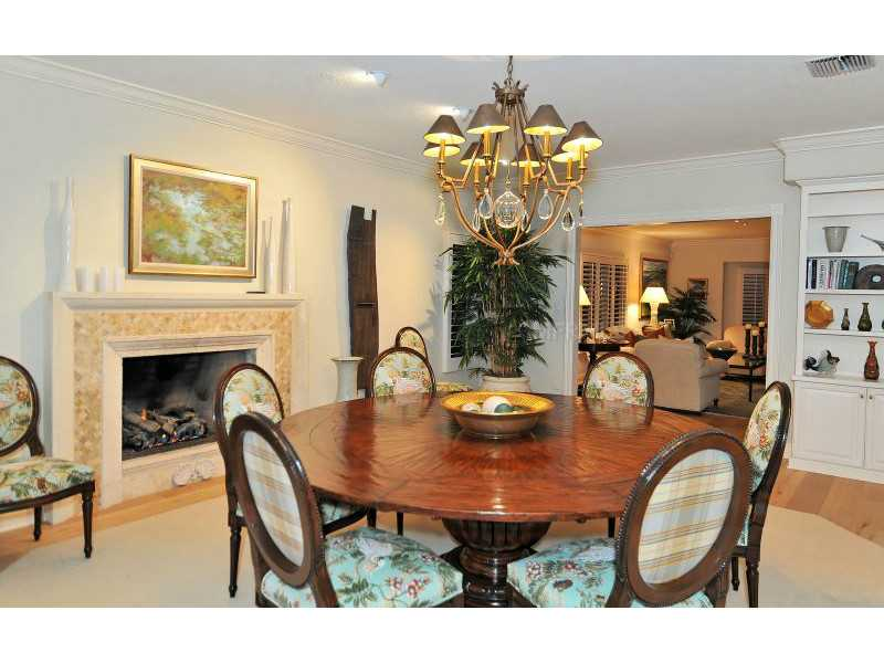 Exquisite Home in Longboat Key, Florida - selling for ,549,000-9