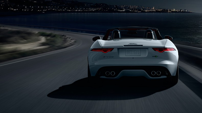 F-TYPE R Convertible with Instinctive All Wheel Drive