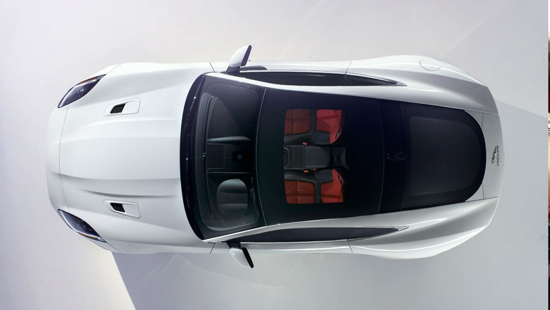 F-TYPE R Coupe features a standard Panoramic Roof