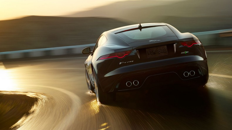 F-TYPE R Coupe with Instinctive All Wheel Drive™ for added confidence