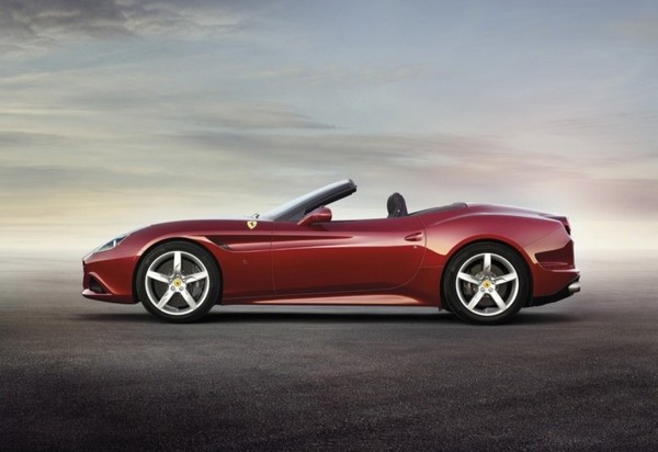 Ferrari California T photo