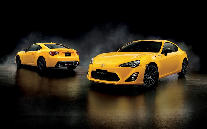 Japan Gets This Cool Toyota 86 Yellow Limited Edition photo 2