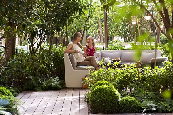 Mandarin Oriental Paris Hotel Garden - Mother and Daughter photo