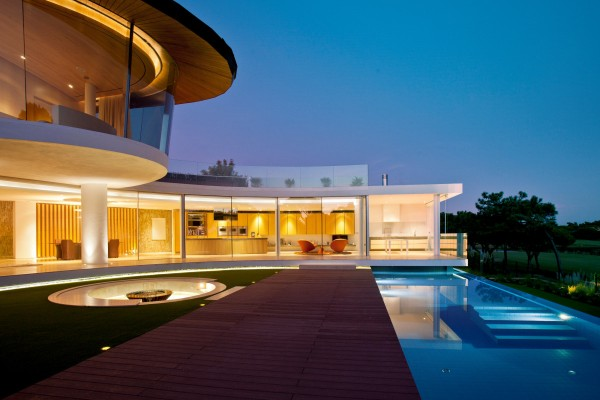Posh Portuguese Residence With Beautiful Lake Views 1-Private-pool-600x400