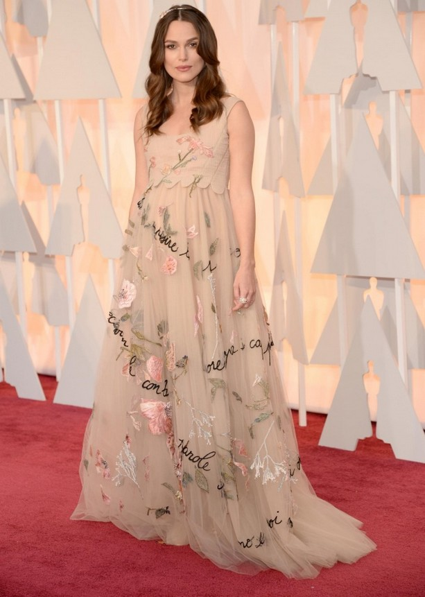 Pregnant Keira Knightley was wearing a lovely Valentino embroidered tulle dress and a flower crown