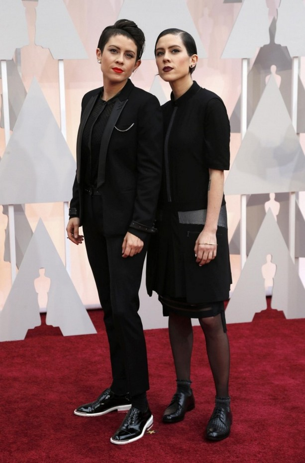 Tegan and Sara opted for all-black menswear-inspired looks and dark lips