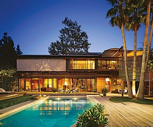 The Beverly Hills home of Demi Moore and ex-husband Aston Kutcher
