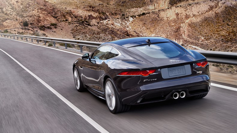 Thrills and confidence, courtesy of the 2016 F-TYPE S AWD Coupe