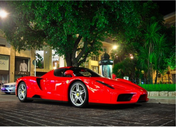 Ferrari Enzo $670,000 - $1 Million