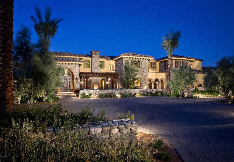 Incomparable Desert Living, Arizona on Sale