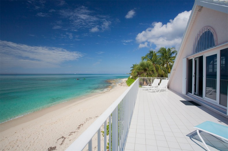 Villa Rosa in Seven Mile Beach, Cayman Islands 23