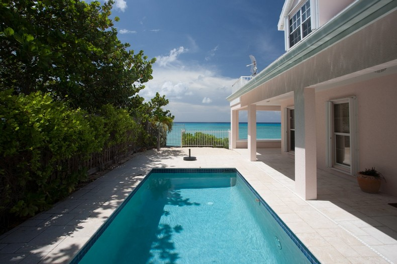 Villa Rosa in Seven Mile Beach, Cayman Islands 32
