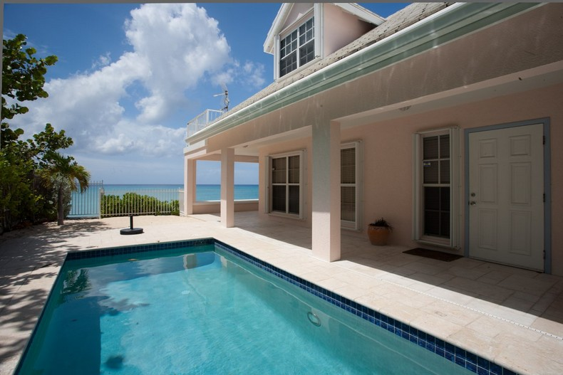 Villa Rosa in Seven Mile Beach, Cayman Islands 33