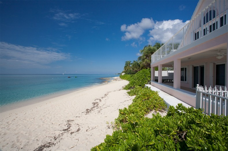 Villa Rosa in Seven Mile Beach, Cayman Islands 34