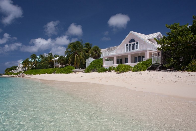 Villa Rosa in Seven Mile Beach, Cayman Islands 35