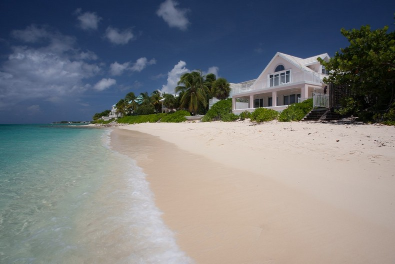 Villa Rosa in Seven Mile Beach, Cayman Islands 36