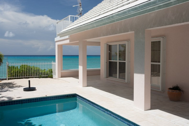 Villa Rosa in Seven Mile Beach, Cayman Islands 4
