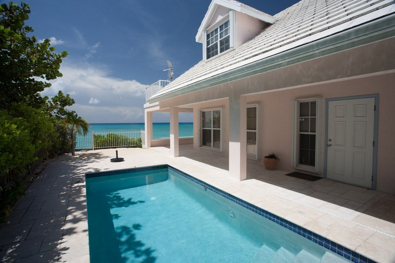 Villa Rosa in Seven Mile Beach, Cayman Islands 5